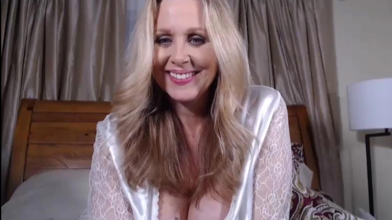 Julia Ann Webcam Shows 2019 Live | MILF Porn Legend On Cam