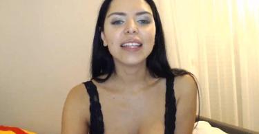 Kira Queen Webcam Show Picture