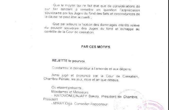 la fixation des dommages intér^ets relève du pouvoir souverain des juges du fond - Sans motivation est le jugement du tribunal correctionnel d'Antananarivo qui condamne Solo à 2 ans de prison avec sursis et 1.500.000.000 ariary de dommages intérêts au profit de RANARISON Tsilavo