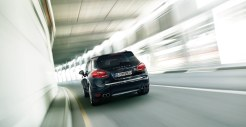 Jet Black Metallic Porsche Cayenne Turbo 2011 3000x1560 wallpaper Rear view