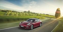 Porsche-Panamera_2011_3000x1560_wallpaper_04