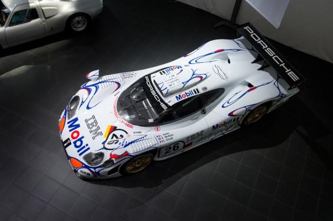 Porsche 911 GT1-98 in Moscow Top view