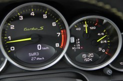Limited edition: Porsche 911 Turbo S Edition 918 Spyder Interior Dashboard