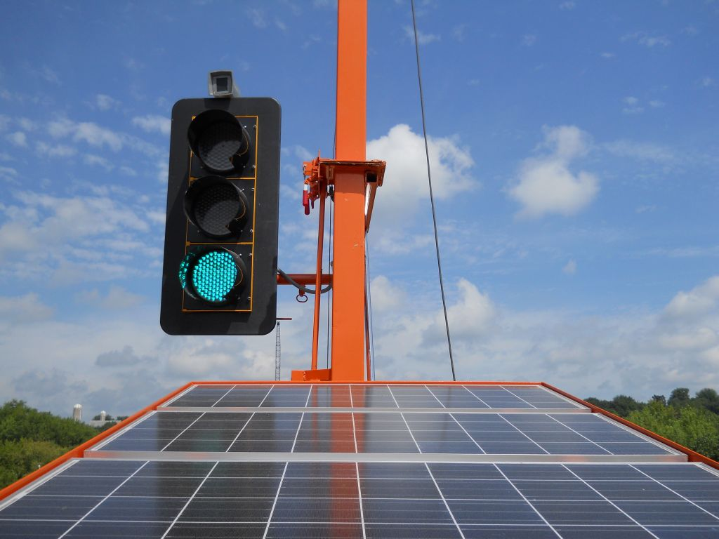 Portable Traffic Signals and Portable Traffic Lights by