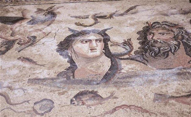 Arqueólogos descubren mosaicos de 2.200 años de antigüedad en una antigua ciudad griega