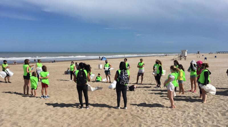 , Pinamar: Cooperativa de reciclado ya limpió más de 1000 kilos de residuos en las playas