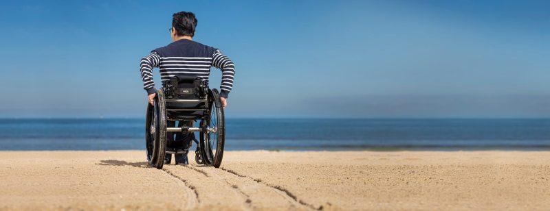 , Joven creó sillas de rueda todo terreno al diseñar llantas con material reciclado