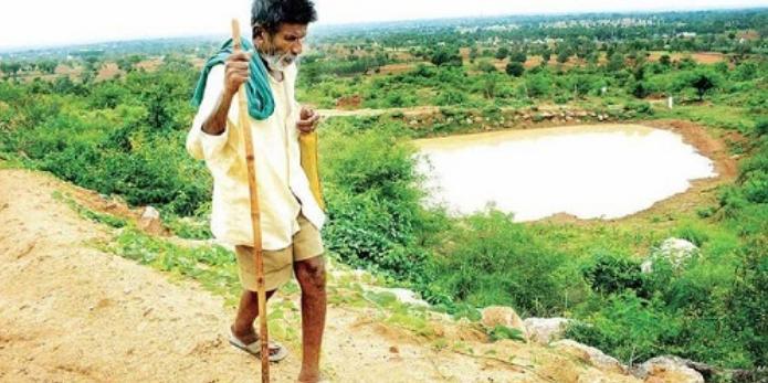 , Este hombre pasó 40 años construyendo estanques para salvar a los animales Sedientos