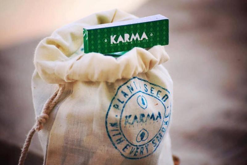 , Pareja creó filtros de cigarrillos que al Biodegradarse se transforman en plantas ancestrales