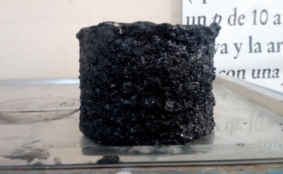 , Joven mexicano creó pavimento anti baches utilizando neumáticos usados