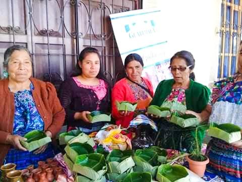 , Guatemala sirve sus papas fritas en hojas de plátano para evitar plásticos de un solo uso