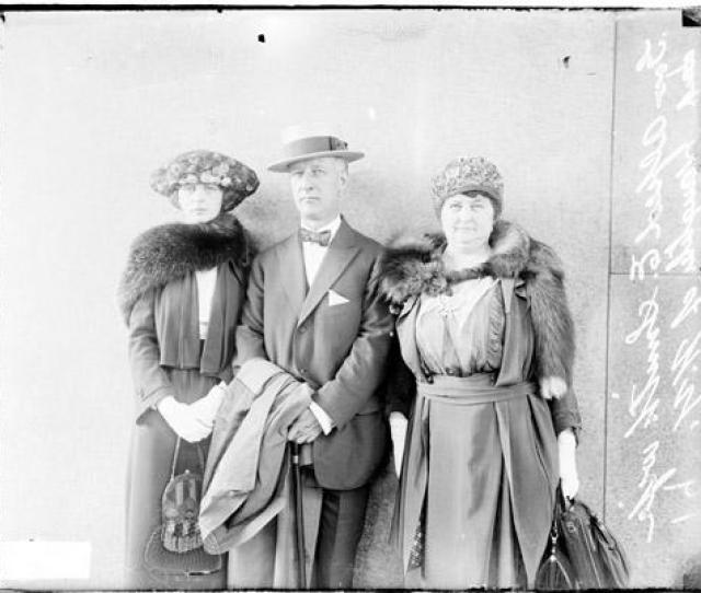 Open Url Alfred E Smith Of New York Standing Outside With His Wife And Daughter