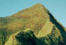 Photo of Diduga Jatuh ke Tebing, Seorang Pendaki Hilang di Gunung Piramid