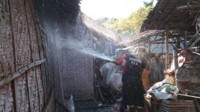 Photo of Gara-gara Bakar Jerami, Dapur Rumah Milik Warga di Tanjung Kamal Nyaris Terbakar