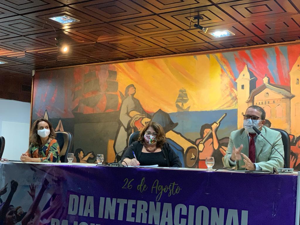 Mulheres debatem urgência da igualdade feminina em evento promovido pela ADPEP e a Deputada Marinor Brito
