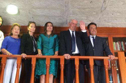 En noviembre pasado, el Premio Nobel de Literatura participó en la ceremonia de entrega de la sexta remesa de ejemplares a la Biblioteca Regional Mario Vargas Llosa.