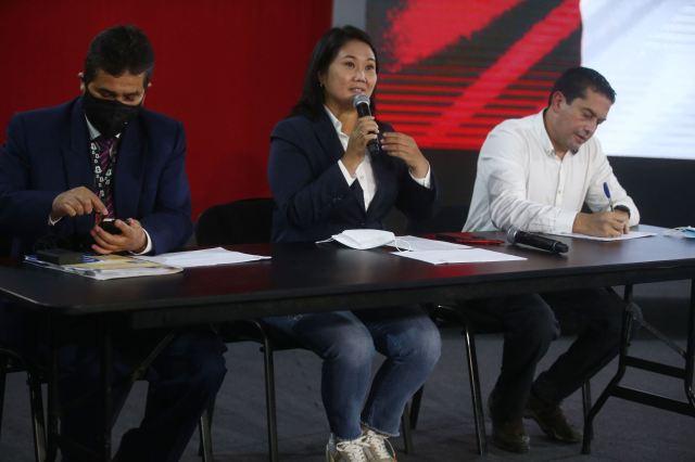 Conferencia de prensa de la candidata presidencial de Fuerza Popular, Keiko Fujimori| Galería Fotográfica | Agencia Peruana de Noticias Andina