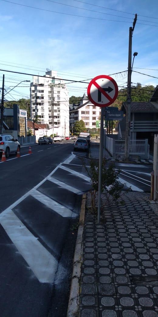 Rua Carlos Appel terá sentido único a partir dessa quinta (9)