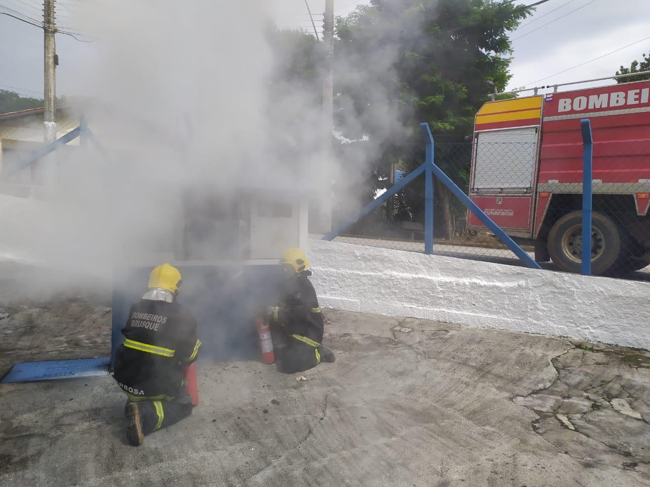 Samae aciona Celesc para conserto emergencial em rede elétrica