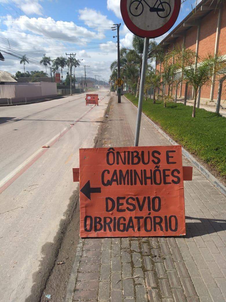 Ponte da rua Itajaí está liberada parcialmente para veículos leves