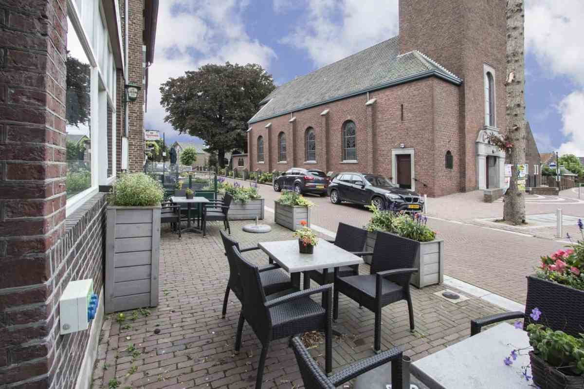 Café-zaal met terras en woning in Banholt - huur € 1.050,00 per maand.