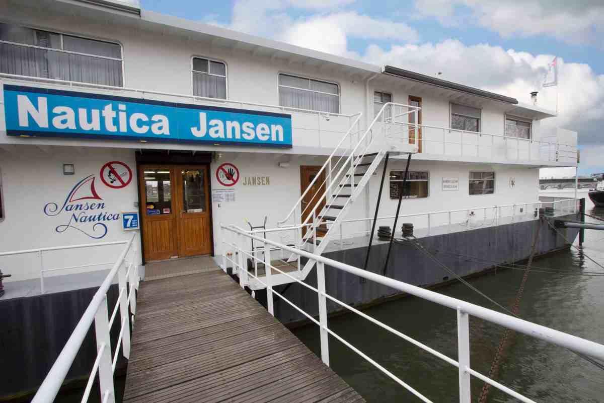Te huur een bijzonder schip voor unieke horecaformule in Maastricht