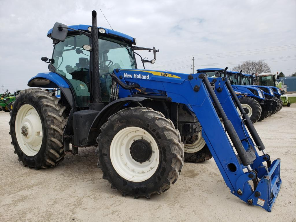hight resolution of new holland t7 200 tractor