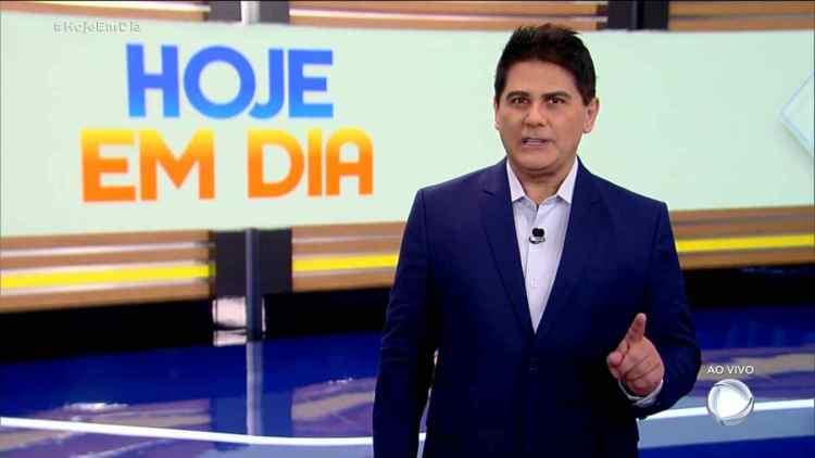 Cesar Filho apresentando o Hoje em Dia desta segunda-feira, 16 de novembro