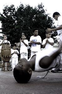 Portal Capoeira ONG, em Brasília, promove aulas gratuitas de capoeira para a comunidade Cidadania
