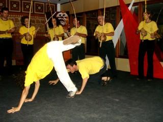 """Portal Capoeira PALMARES 18 ANOS: Comemorações e Orquestra de Berimbaus - """"Luta pela valorização da cultura afro"""" Eventos - Agenda"""