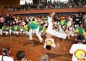 Curitiba: Capoeira ajuda a evitar evasão escolar