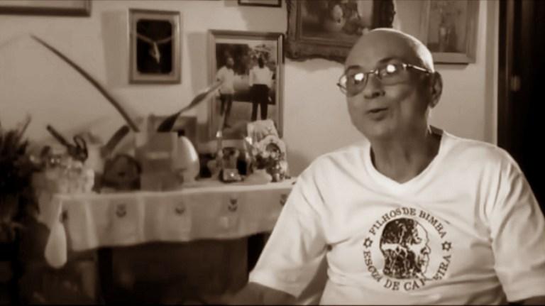 Portal Capoeira A importância das cadeiras no desenvolvimento do golpe de vista e na segurança do jogo de capoeira Mestre Decanio