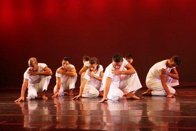 Capoeira é luta de bailarino, é dança de gladiador!
