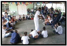 Portal Capoeira Voluntário ensina capoeira para alunos com necessidades especiais Capoeira sem Fronteiras