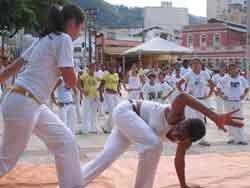 Portal Capoeira Enafec - Encontro de capoeira incentiva prática feminina em Alagoas Capoeira Mulheres