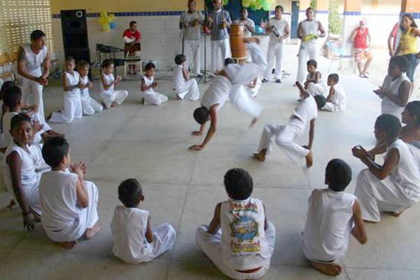 Portal Capoeira Projeto Capoeristas do Bem reúne crianças de Mãe Luiza Cidadania