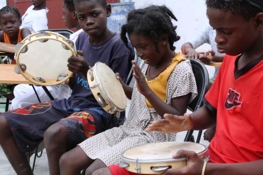 Portal Capoeira Haiti: Berimbau já fez chamada, já é hora de lutar Cidadania
