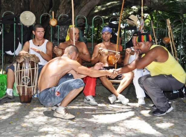 Portal Capoeira Reflexão: Capoeira Angola: Uma idéia, não um estilo! Publicações e Artigos