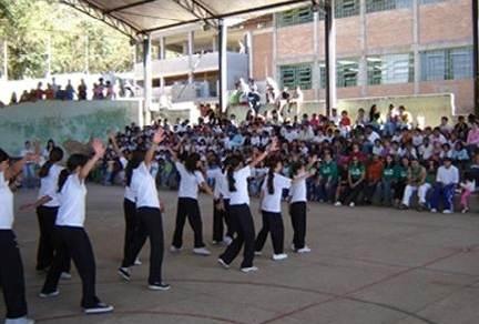 Portal Capoeira Pinda: Capoeira começa a conquistar alunos nas escolas da rede pública Notícias - Atualidades