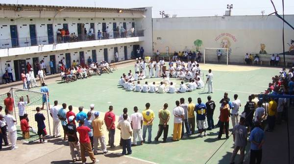 Portal Capoeira ACADA: Reeducando através da Capoeira Cidadania