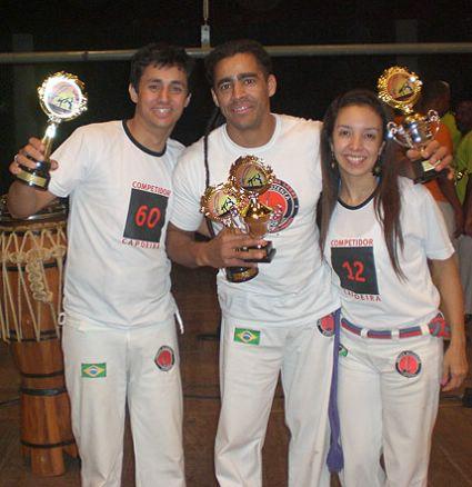 Portal Capoeira Pinda tem campeão mundial de capoeira Estilo Contemporâneo Notícias - Atualidades