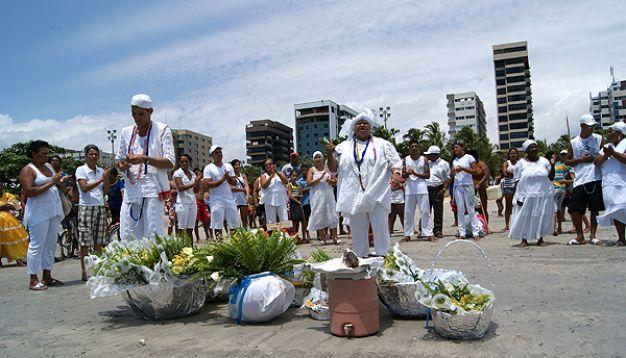 Portal Capoeira Oferendas e cânticos marcam celebração ao dia de Iemanjá Cultura e Cidadania