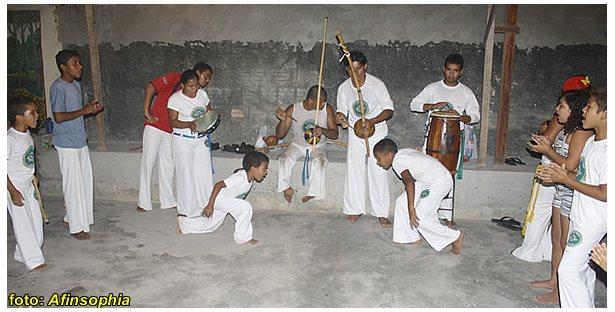 Portal Capoeira Em busca do grupo perfeito... Fundamentos da Capoeira Papoeira Publicações e Artigos