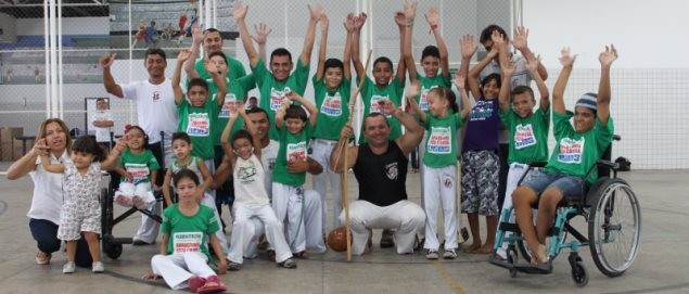 Portal Capoeira Capoeira é usada como tratamento de reabilitação física no Ceir Capoeira sem Fronteiras