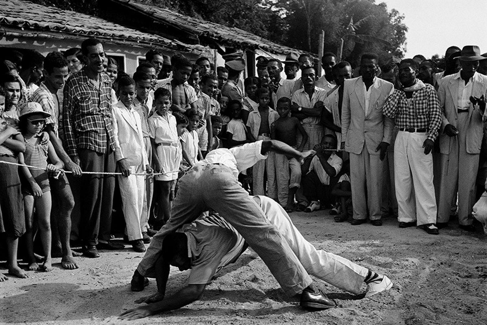 Capoeira de Rua e Capoeira na Rua