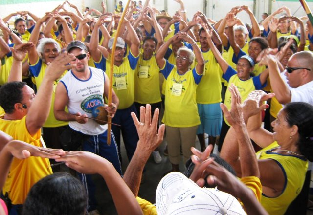 Portal Capoeira Idosos participam de atividades do Dia Mundial de Combate à Osteoporose Cidadania