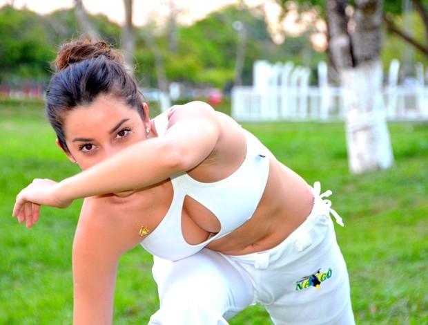 Portal Capoeira Acre: Boxe, capoeira e kung fu: musa concilia lutas com estudo e profissão Capoeira Mulheres
