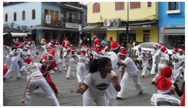 Portal Capoeira Angra dos Reis: Abadá Capoeira faz apresentação temática Curiosidades