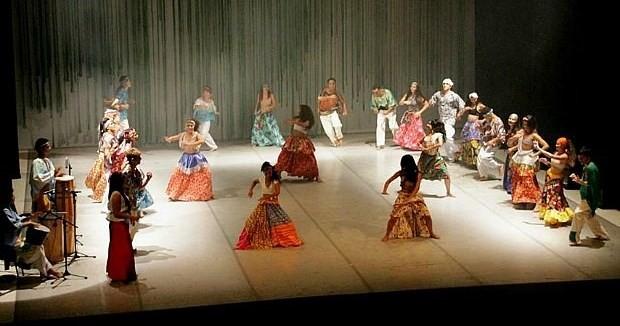 'Herança Africana' é apresentada no palco do Teatro Amazonas