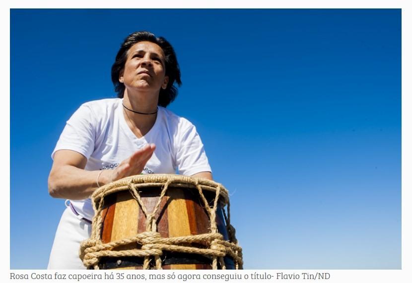 Aos 48 anos, Rosa Costa se torna a primeira mestra de capoeira de Santa Catarina